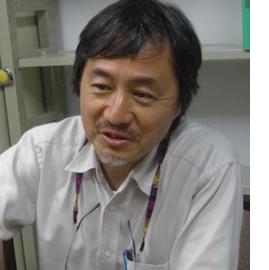 神崎護教授(理学博士)写真